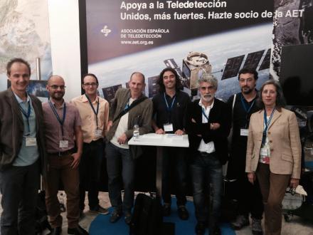 Junta Directiva de la AET en el stand del XVI Congreso de la Asociación celebrado en Sevilla en Octubre 2015
